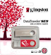 ���� ������ USB 2.0 Kingston 16 �� DataTraveler SE9 Valentine's Day (KC-U4616-2U2)