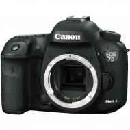 Зеркальная фотокамера Canon EOS 7D Mark II Body + WiFi W-E1 (9128B157) Black